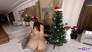 Mrs Claus loves being a tease with her ass exceeding Xmas and she enjoys masturbating