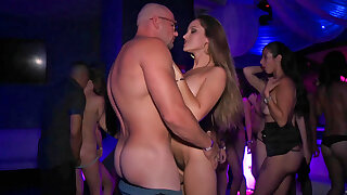 Super hot American slut gets fucked steadfast at be transferred to party