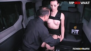 George Uhl And Sarah Highlight In Stunning Ukrainian Brunette Is In For A Hardcore Cock Riding In The Car